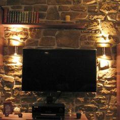 Aplique de pared BAS - Quiere iluminar una pared de piedra, pero no sabe como hacerlo. Este aplique es lo último.