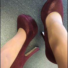 PRICE DROP!!!! 4 inch ALDO PUMPS Maroon in color with a hint of sparkle! Love these. Barely worn. Platform keeps the shoe comfortable  go ahead and make an offer  ALDO Shoes Heels