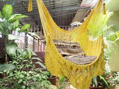 Beautiful Sitting Hammock, enjoy our colors combination proposed for the net of the hammock: Yellow. The ideal combination to show off in the room or in