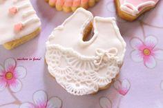 particolare del bavaglino  http://zuccheroinfesta.blogspot.com/