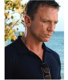 Daniel Craig wearing Sunspel as James Bond in Casino Royal Susan Ansley I live right here in New Zealand Craig Bond, Daniel Craig James Bond, James D'arcy, Rachel Weisz, Casino Royale, Chester, Mardi Gras, Daniel Graig, James Bond Style
