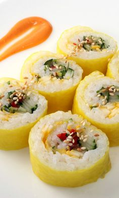 Easy Recipe: Fruit and Vegetable Sushi Roll
