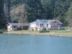 vacation rentals to book online direct from owner in . Vacation rentals available for short and long term stay on Vrbo. Oak Harbor, Whidbey Island, Ideal Home, Places To Travel, Beach House, Cottage, Outdoor Structures, Cabin, Vacation