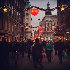 #denmark #danmark #copenhagen #københavn #hygge  #hyggeligt #strøget #street #christmas #decoration #jule #navidad #december #shopping #travel #instagram #instadaily #beautiful #picoftheday #somewhereincopenhagen #visitdenmark  Strøget once a fire cut to prevent big fires to spread across the city of Copenhagen is today the main street for Christmas shoppers. It is also one of the longest pedestrian shopping streets in Europe so let the shopping madness begin!  by andres