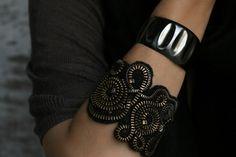 diy. zipper bracelet