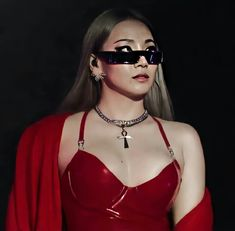 2ne1, Cl, Kpop Girls, Queens, Fashion, Moda, Fashion Styles, Fasion, Thea Queen