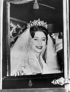 """♔ Royal Wedding Tiaras ♔ """"Princess Margaret, Countess of Snowden: The Poltimore Tiara """" Princesa Margaret, Princess Margaret Wedding, Royal Princess, Princess Diana, Royal Brides, Royal Weddings, Royal Tiaras, Tiaras And Crowns, Poltimore Tiara"""