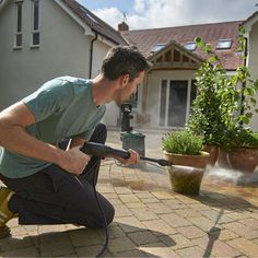Whether car cleaning, patio cleaning, gutters, garden furniture or garden stonework, with the UniversalAquatak 125 your cleaning tasks become effortless. Cooker Hoods, Wash Brush, Bank Holiday Weekend, Outdoor Garden Furniture, Isle Of Wight, Kit Cars, How To Make Light, Car Cleaning, Car Wash