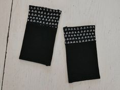 Stulpen Armstulpen Dreiecke grafisch Pulswärmer Handstulpen Stenzo Jersey genäht Stoff schwarz wrist warmers pulse Weihnachten Geburtstag von SamarkandNow auf Etsy