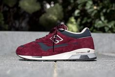 "NEW BALANCE M1500 AB ""REAL ALE PACK"" BURGUNDY available at www.tint-footwear.com/new-balance-m1500-d-ab new balance made in england real ale pack m1500 burgundy leather sneaker tint footwear studio munich"