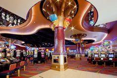 Curacao bietet nicht nur für Liebhaber von Urlaubsentspannung und Erholung ein perfektes Reiseziel, sondern auch für Touristen, die das Glücksspiel lieben. Vor Ort gibt es zahlreiche Casinos, von denen viele einen Besuch wert sind. In den Casinos vor Ort werden Spielautomaten Tischspiele wie Roulette, BlackJack und Poker und manchmal auch Live-Shows angeboten.  Das Carneval Casino zählt zu den bekanntesten Casinos auf Curacao