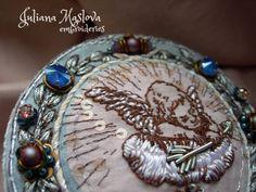 Мой ангел на облаке... Еще немного деталей / My angel is in the cloud.. A few more details  #вышивка#ручнаявышивка#ангел#брошькрасивая#детали#винтаж#embroidery#handembroidery#angel#details#jewellerydesign#swarovski#booch#vintage#artembroidery