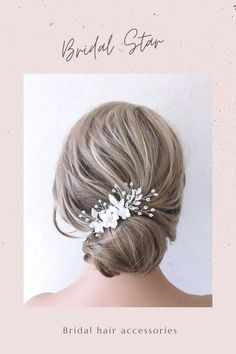 Add the perfect finishing touch to your wedding hairstyle with this crystal and pearl bridal hair piece. As the bridal headpiece is flexible it can be shaped to suit any hairstyle. Available in silver or gold this bridal hair vine is the perfect hair accessory. Please visit our website for more stunning wedding hair accessories. Bridal hair comes work with most hairstyles unlike tiaras which only work on top of your hair. Using hair spray helps the wedding hair comb to stay in place securely. Flower Headpiece Wedding, Boho Wedding Hair, Wedding Hair Clips, Bridal Hair Vine, Wedding Hair Pieces, Bridal Veils, Wedding Updo, Wedding Flowers, Floral Headpiece