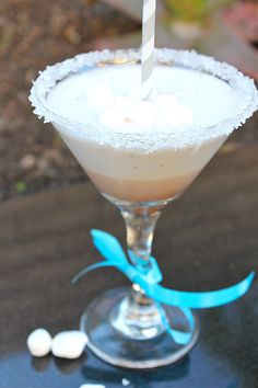 Frozen Hot Cocoa Cocktail- this will be perfect for the hot chocolate bar I'm doing for my Christmas party!