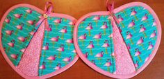 Check out this item in my Etsy shop https://www.etsy.com/listing/517830319/flamingo-handy-heart-potholders