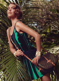 Louis-Vuitton-Resort-2012-Campaign