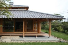 Receive fantastic pointers on greenhouse architecture. They are actually available for you on our internet site. Japanese Home Design, Japanese Style House, Traditional Japanese House, Japan Architecture, Sustainable Architecture, Architecture Design, Residential Architecture, Pavilion Architecture, Contemporary Architecture