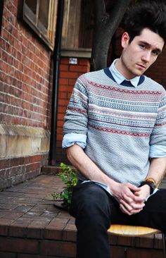 Dan Smith of Bastille. I like how he is dressed and that 's why I chose to pin this