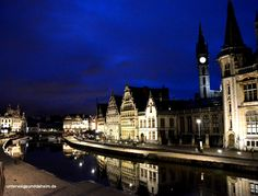 Gent bei Nacht: Wenn in Gent die Lichter angehen, verzaubert die Stadt ihre Besucher mit glänzendem Lichtschein. Romantik in Gent bei Nacht pur!