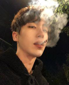 Korean Boys Hot, Korean Boys Ulzzang, Hot Asian Men, Ulzzang Boy, Korean Men, Cute Asian Guys, Asian Boys, Cute Guys, Estilo Bad Boy