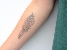 Tatouage temporaire de fougère, tatouage temporaire, tatouage botanique, tatouage de fougère, illustration de fougère, tatouage Woodland, tatouage de feuille