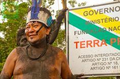 Davi Kopenawa in action!  Blog da Funai: Povo Yanomami realiza manifestação na região do Ajarani, em Roraima