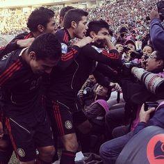Así se festejó el primer gol de México  #seleccionmexicana #mexico #futbol #soccer #sports