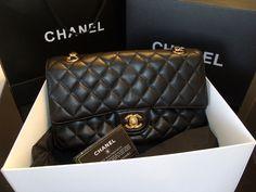 a57f541fa01 29 melhores imagens de Réplicas de Bolsas Chanel