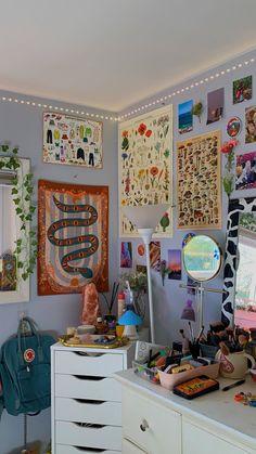 Indie Room Decor, Cute Room Decor, Aesthetic Room Decor, Room Ideas Bedroom, Bedroom Decor, Bedroom Inspo, Chambre Indie, Cute Room Ideas, Retro Room
