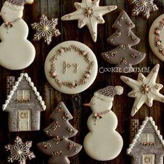 grey & pink Christmas cookies - New Ideas Christmas Sugar Cookies, Christmas Sweets, Noel Christmas, Pink Christmas, Holiday Cookies, Gingerbread Cookies, Christmas Baking, Royal Icing Gingerbread House, Christmas Stocking Cookies