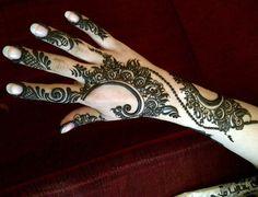 More arabic henna