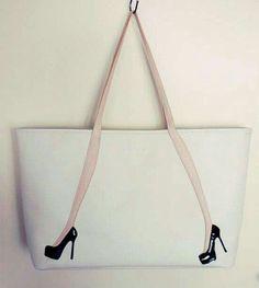 Bolsos divertidos - Blue Tutorial and Ideas My Bags, Purses And Bags, Diy Sac, Best Handbags, Denim Bag, Fabric Bags, Handmade Bags, Bag Making, Sewing Projects