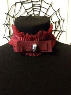 Collarino  choker gotico in tulle e gros-grain con