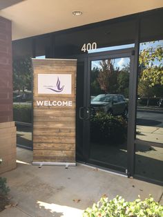 Full Gospel UPC uses the rustic look on their hospitality signs to welcome all into their church. Church Lobby, Church Foyer, Church Office, Church Stage, Church Interior Design, Exterior Design, Church Welcome Center, Church Ministry, Ministry Ideas