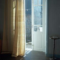 grey wall- blue border :) great simple curtain
