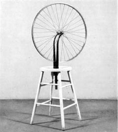 """Obra """"Roda de bicicleta"""", de Marcel Duchamp, representa uma obra do Dadaismo."""