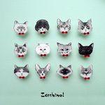 猫たちのピンブローチ/レッド