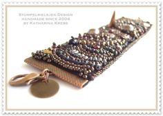 BeadWork-feine Perlenstickerei-Bead Embroidery    A Bohemien Love Affaire:    Extravagante Armmanschette, mit viel Herzblut von mir gestickt.  Die ...