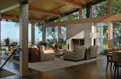 Hillside dwelling in Texas with a fantastic indoor-outdoor connection