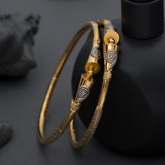Gold Ring Designs, Gold Bangles Design, Gold Earrings Designs, Gold Jewellery Design, Necklace Designs, Plain Gold Bangles, Silver Bracelets For Women, Gold Wedding Jewelry, Gold Jewelry
