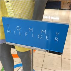 Tommy Hilfiger Summer Display Branding – Fixtures Close Up Center Stage, Visual Merchandising, Close Up, Signage, Tommy Hilfiger, Entrance, Retail, Branding, Display