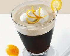 Rumos-likőrös holland kávé Orange Zest, Coffee Recipes, Make It Yourself, Cream, Drinks, Tableware, Chilling, Don't Forget, Foods