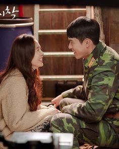 Korean Drama Movies, Korean Actors, Korean Dramas, South Korean Women, Hyun Bin, Best Kdrama, We Bare Bears Wallpapers, Jung Hyun, Movie Couples