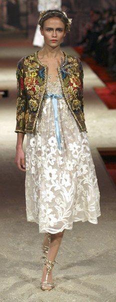 MAISON LESAGE   Christian Lacroix Haute Couture Spring/Summer 2006    Embroidery by Maison Lesage.