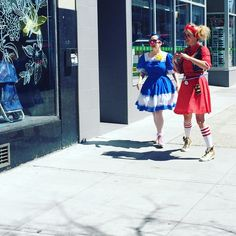 Morro and Jasp, clown sisters, about the town. Sister Love, Harajuku, Sisters, Outfits, Style, Fashion, Swag, Moda, Suits