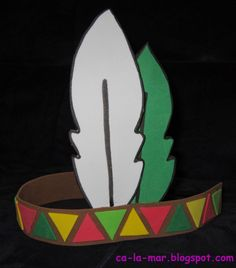 Este año para carnaval nos toca la temática de los indios. Y como accesorio principal necesitamos la pluma para la cabeza. Al final me he de... Thanksgiving Crafts, Holiday Crafts, Diy For Kids, Gifts For Kids, Indian Hat, Niklas, Indian Costumes, Alphabet Crafts, Hat Crafts