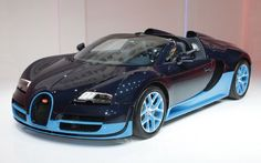 And now we have the Veyron Grand Sport Vitesse in the flesh. In Bleu!
