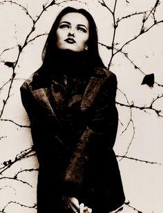 Anton Corbijn. Vanessa Paradis, 1992 Vanessa Paradis, Band Fotografie, Witte Fotografie, Portretfotografie, Erwin Olaf, Marlene Dumas, Franse Schoonheid, Man Ray, Popmuziek
