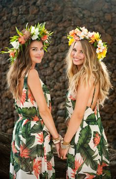 28 Ideas For Wedding Dresses Beach Bridesmaid Flower Crowns Source by outfits party Luau Outfits, Outfits Fiesta, Party Outfits For Women, Hawaii Outfits, Themed Outfits, Beach Bridesmaids, Bridesmaid Flowers, Bridesmaid Dresses, Wedding Dresses