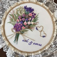 Getting to Know Brazilian Embroidery - Embroidery Patterns Floral Embroidery Patterns, Embroidery Flowers Pattern, Hand Embroidery Stitches, Silk Ribbon Embroidery, Crewel Embroidery, Embroidery Hoop Art, Hand Embroidery Designs, Flower Patterns, Brazilian Embroidery
